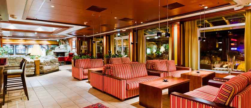 Alexandra-Hotel,-Loen,-Norway---Markus-Cafe.jpg